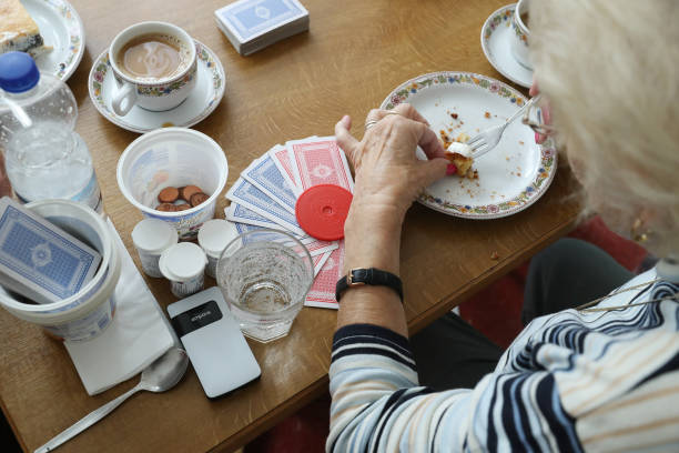 Growing Senior Citizens Population Creates Challenges For Policymakers:ニュース(壁紙.com)