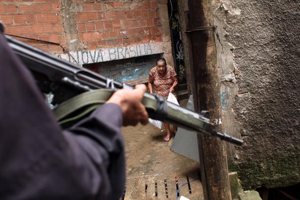 Footpath「Rio De Janeiro's Favelas Under Scrutiny After Brazil Wins Olympic Bid」:写真・画像(12)[壁紙.com]