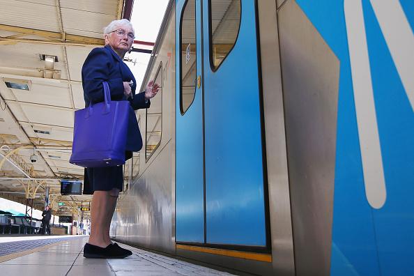 Transportation「Commuters Left Stranded As Melbourne Train Network Shuts Down」:写真・画像(2)[壁紙.com]