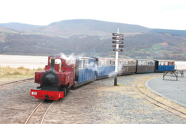 Food And Drink Industry「The Fairbourne & Barmouth Railway has always been operated as a passenger line to cater for the tourists visiting the Mawddach estuary. A train from Fairbourne waits at the Barmouth halt to return with the famed Barmouth Bridge in the background. April 20」:写真・画像(13)[壁紙.com]