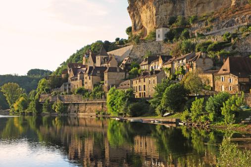 Nouvelle-Aquitaine「Beynac-et- Cazenac in Dordogne Valley, Dordogne, France」:スマホ壁紙(0)