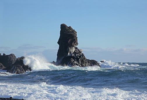 Basalt「Basalt Sea-stack at Londrangar on the Snaefellsnes Peninsula, Iceland.」:スマホ壁紙(16)