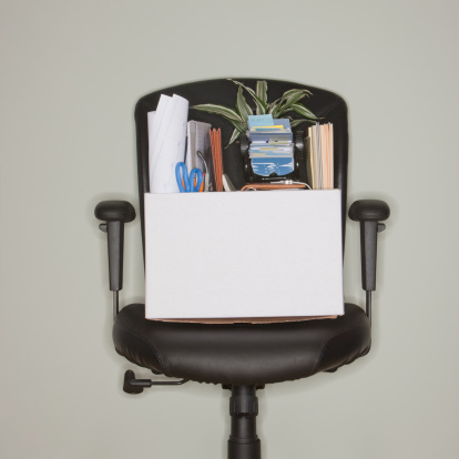 Employment And Labor「Packed box on office chair」:スマホ壁紙(18)