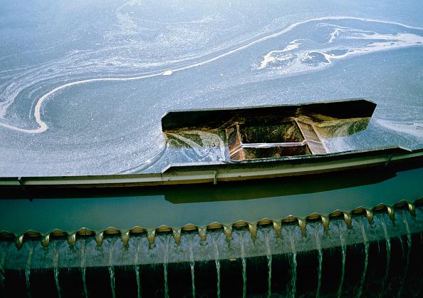 Land「Primary sedimentation basin at waste water treatment and purification plant, Zurich, Switzerland」:写真・画像(0)[壁紙.com]