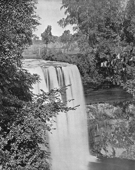Ornamental Garden「Minnehaha Falls」:写真・画像(6)[壁紙.com]
