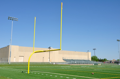 Goal Post「Yellow Goal Posts on American Football Field」:スマホ壁紙(18)