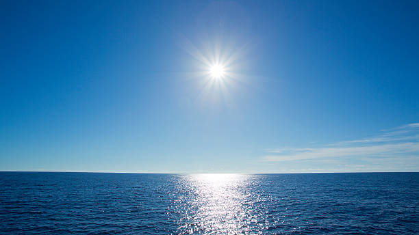 Shining sun and the Sea:スマホ壁紙(壁紙.com)