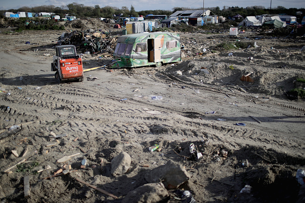 Calais「Large Scale Demolition Of The Calais Migrant Camp Begins」:写真・画像(9)[壁紙.com]