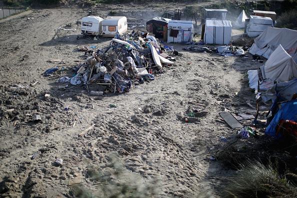 Calais「Large Scale Demolition Of The Calais Migrant Camp Begins」:写真・画像(8)[壁紙.com]