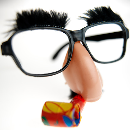 Human Nose「Groucho Marx mask with party blower, close up」:スマホ壁紙(12)