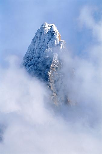 European Alps「France, Haute-Savoie, Chamonix Needles in clouds」:スマホ壁紙(13)