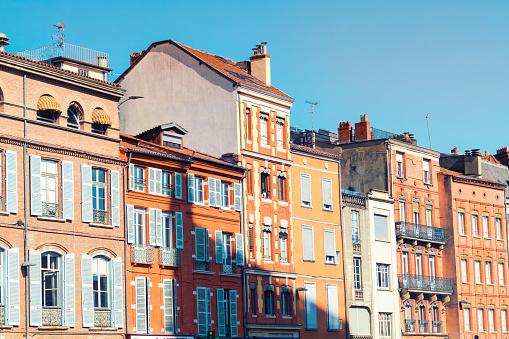 France「France, Haute-Garonne, Toulouse, Old town, Historic buildings at Place Saint-Etienne」:スマホ壁紙(0)