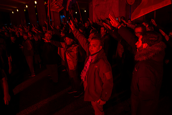Extremism「Spanish Far Right Supporters Gather To Remember Falange Movement Founder」:写真・画像(13)[壁紙.com]