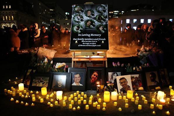航空機「Vigil Held In Ottawa For Victims Of Ukraine International Airlines Crash」:写真・画像(15)[壁紙.com]