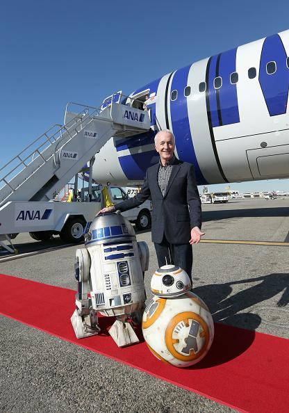 """スター・ウォーズ・シリーズ「The Cast Of """"Star Wars: The Force Awakens"""" On ANA Charter Flight From Los Angeles To The London Premiere」:写真・画像(10)[壁紙.com]"""