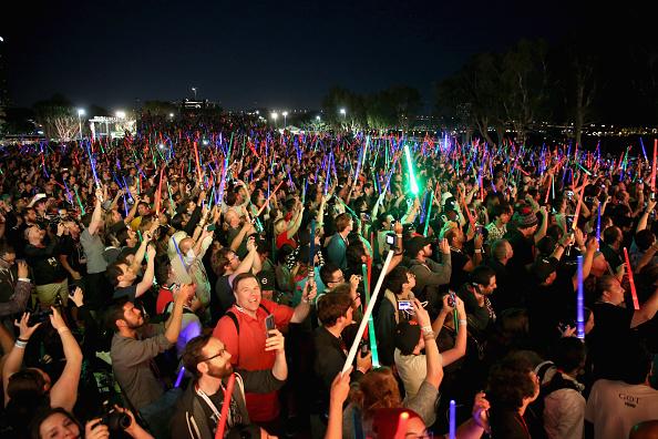 Star Wars Series「Star Wars: The Force Awakens Panel At San Diego Comic Con - Comic-Con International 2015」:写真・画像(19)[壁紙.com]