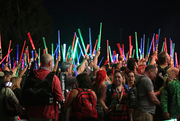 Star Wars Series「Star Wars: The Force Awakens Panel At San Diego Comic Con - Comic-Con International 2015」:写真・画像(16)[壁紙.com]