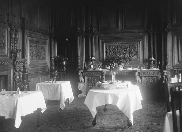Dining Room「Wykehurst Place, Bolney, Sussex」:写真・画像(19)[壁紙.com]
