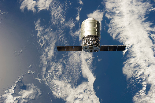 Planet Earth「September 29, 2013 - The first Cygnus commercial cargo spacecraft in orbit above Earth.」:スマホ壁紙(8)