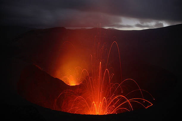 September 2, 2006 - Yasur eruption, Tanna Island, Vanuatu.:スマホ壁紙(壁紙.com)