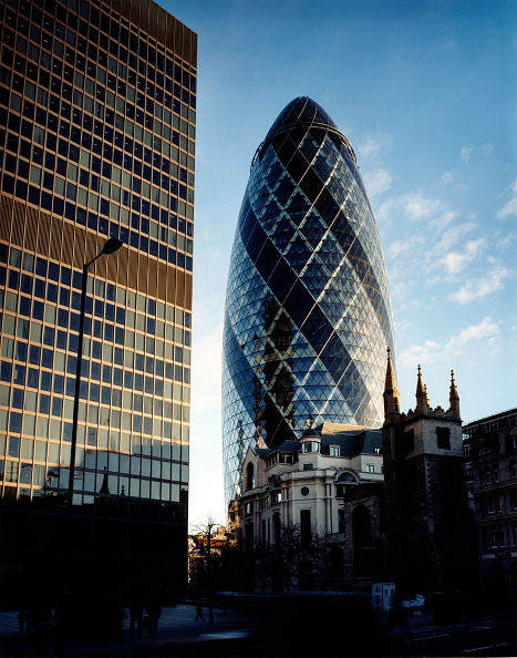 Skyscraper「Swiss Re building, The Gherkin, City of London, United Kingdom. Designed by Norman Foster and Partners. Winner of the Stirling Prize 2004.」:写真・画像(14)[壁紙.com]