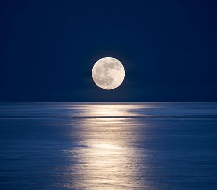 Moon「Moonrise over sea.」:スマホ壁紙(11)