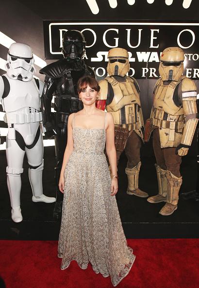 カメラ目線「The World Premiere Of 'Rogue One: A Star Wars Story'」:写真・画像(9)[壁紙.com]