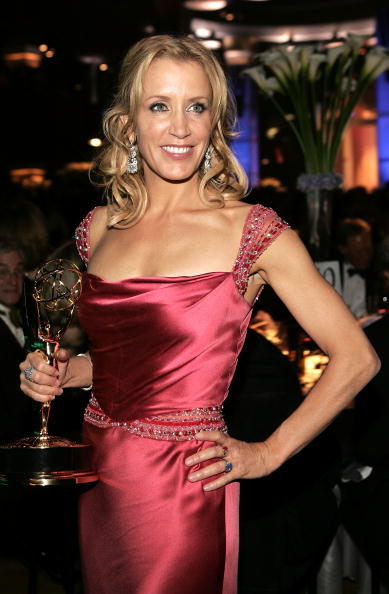 2005「57th Annual Emmy Awards - Governor's Ball」:写真・画像(9)[壁紙.com]