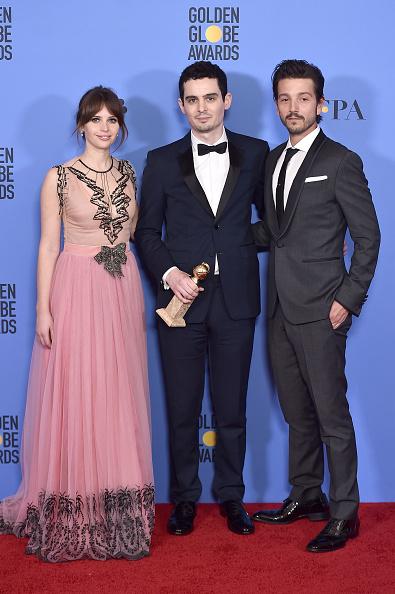Burberry「74th Annual Golden Globe Awards - Press Room」:写真・画像(7)[壁紙.com]