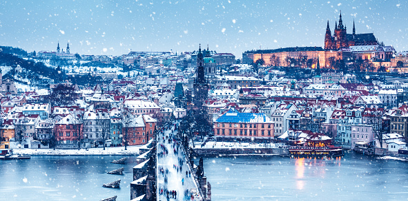 Hradcany「Idyllic Snowy Day In Prague」:スマホ壁紙(7)