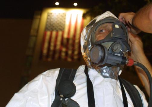Joe Raedle「Hazardous Materials Units in Ft. Lauderdale」:写真・画像(0)[壁紙.com]