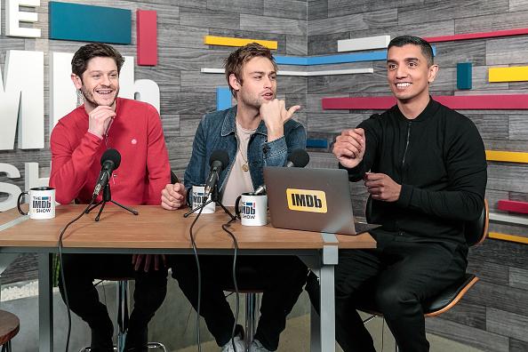 風景「Iwan Rheon And Douglas Booth Visit The IMDb Show LIVE」:写真・画像(19)[壁紙.com]