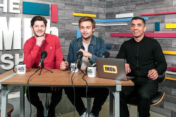 風景「Iwan Rheon And Douglas Booth Visit The IMDb Show LIVE」:写真・画像(15)[壁紙.com]