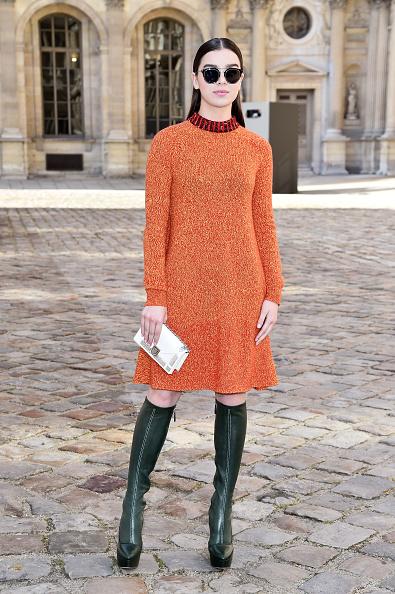 Knitted「Christian Dior : Outside Arrivals  - Paris Fashion Week Womenswear Fall/Winter 2015/2016」:写真・画像(5)[壁紙.com]