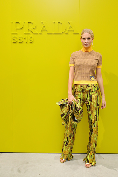 Prada「Prada Spring/Summer 2019 Womenswear Fashion Show Arrivals and Front R」:写真・画像(2)[壁紙.com]