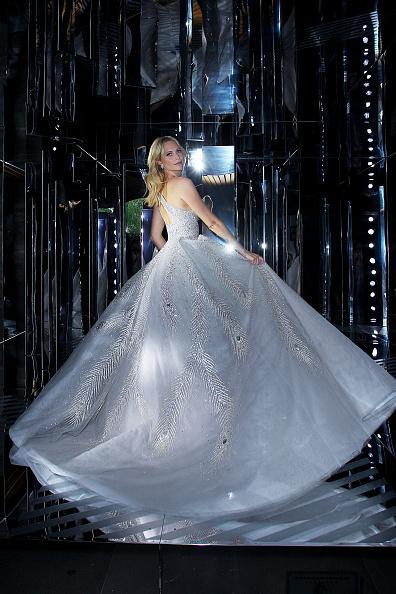 Silver Dress「American Express Guest Poppy Delevingne Arrives At NGV Gala」:写真・画像(8)[壁紙.com]