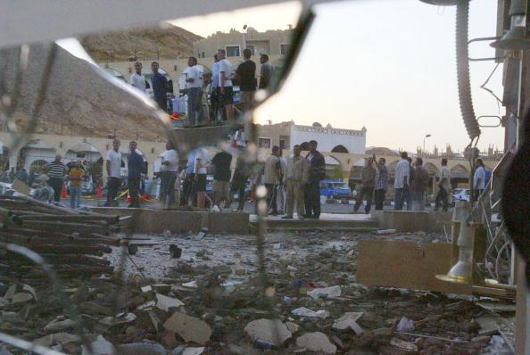 Uriel Sinai「Three Bombs Kill At Least 83 In Egyptian Resort Of Sharm El-Sheikh」:写真・画像(19)[壁紙.com]