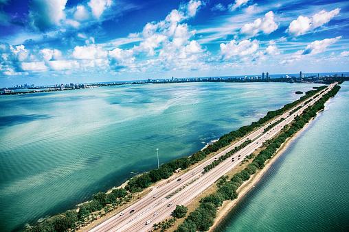 Miami Beach「マイアミのビスケーン湾横断道路 195」:スマホ壁紙(3)