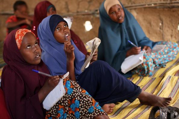Girls「Somali Refugees Live Desperate Existence In Camps In Neighboring Kenya」:写真・画像(12)[壁紙.com]