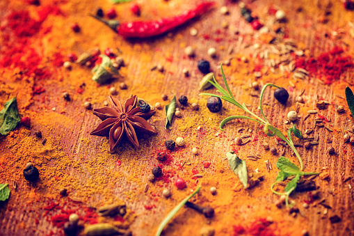 Cayenne Pepper「Spices and Herbs on Wooden Background」:スマホ壁紙(18)
