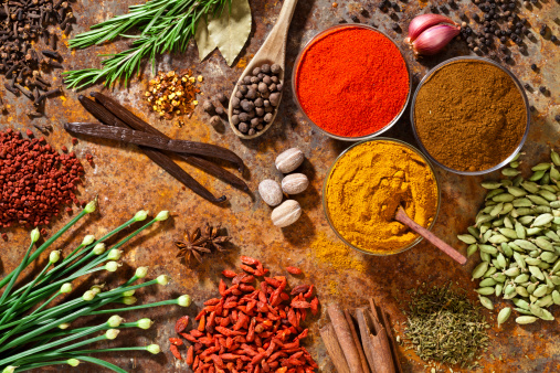 Anise「Spices and herbs displayed on rustic background shot from above」:スマホ壁紙(18)