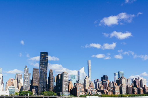 海外旅行「Midtown Manhattan skyline with blue sky. New York City.」:スマホ壁紙(15)