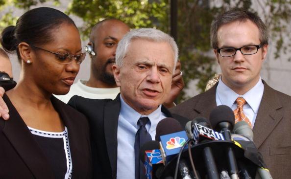 Medium Group Of People「Robert Blake Found Not Guilty」:写真・画像(16)[壁紙.com]