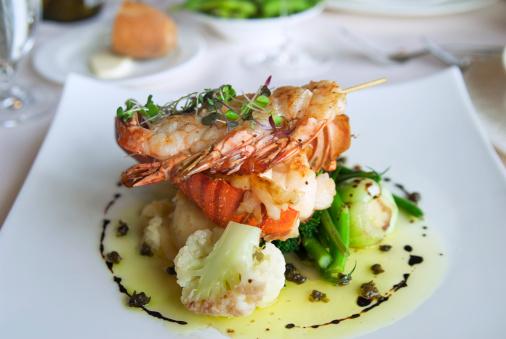 Lobster - Seafood「Lobster Tail & Shrimp Seafood Dinner Meal, Food at Restaurant」:スマホ壁紙(10)