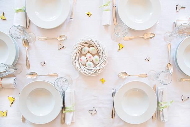 Laid Easter table:スマホ壁紙(壁紙.com)