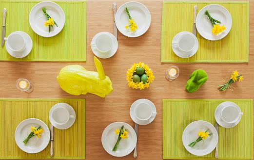 Easter「Laid Easter table」:スマホ壁紙(1)