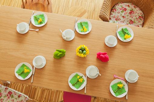 Figurine「Laid Easter table」:スマホ壁紙(12)