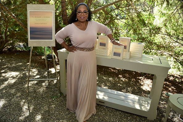 "作家「Oprah Winfrey's Gospel Brunch Celebrating Her New Book ""Wisdom Of Sundays""」:写真・画像(5)[壁紙.com]"