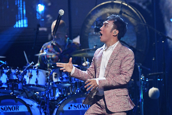 Journey「32nd Annual Rock & Roll Hall Of Fame Induction Ceremony - Show」:写真・画像(3)[壁紙.com]