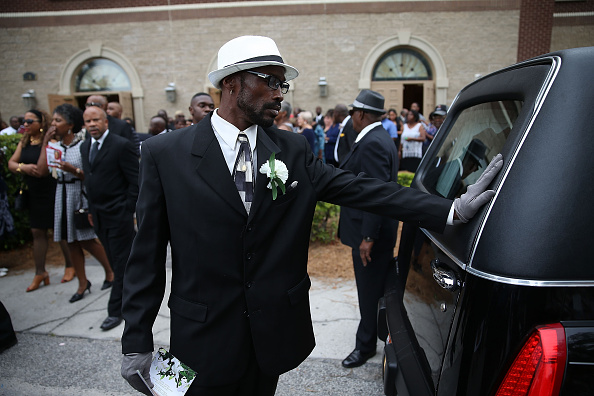 Charleston - South Carolina「First Of Charleston Church Shooting Victims Laid To Rest」:写真・画像(3)[壁紙.com]
